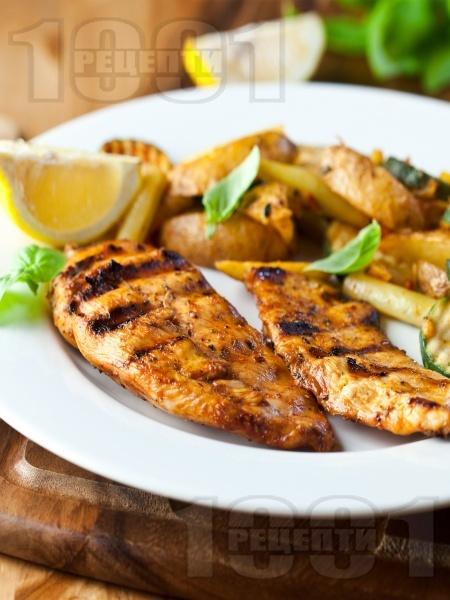Пилешко филе печено на скара в алкохолна марината - снимка на рецептата